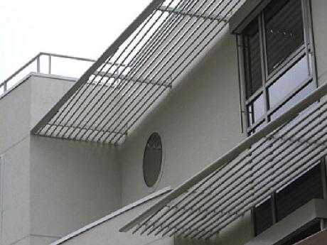 wetterschutzgitter l ftungsgitter lamellenw nde dachhauben lamellenhauben und sonnenschutz. Black Bedroom Furniture Sets. Home Design Ideas